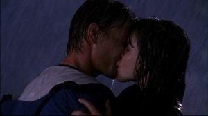 313_b_n_l_kiss_in_rain